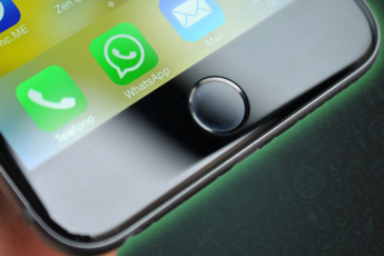 "WHATSAPP UPDATE TO BRING ""QUICK REPLY"" FEATURE FOR IOS"